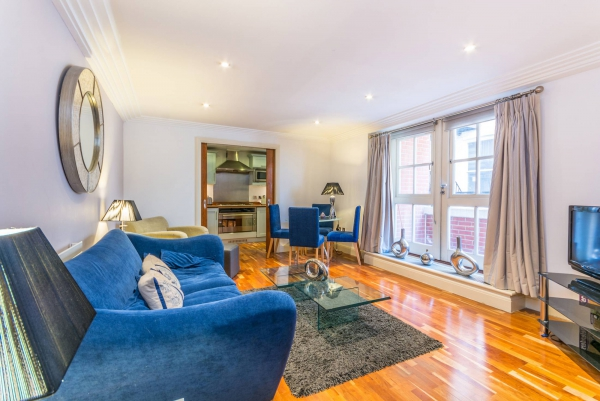 Аренда стильных апартаментов в Ковент-Гардене с одной спальней и балконом