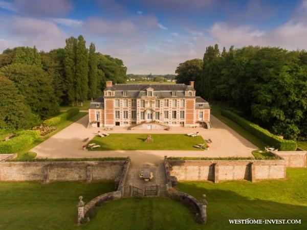 Изысканный замок во Франции, расположенный в Нормандии и относящийся к 17 веку