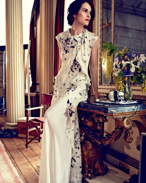 the-ladies-of-downton-abbey-for-harpers-bazaar-uk-august-2014-michelle-dockery